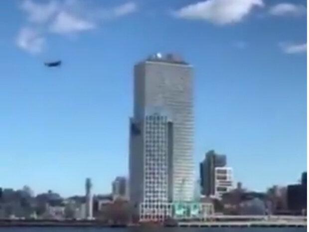 یاری پهپاد ناشناس به اجرای قوانین فاصله گذاری اجتماعی در نیویورک!
