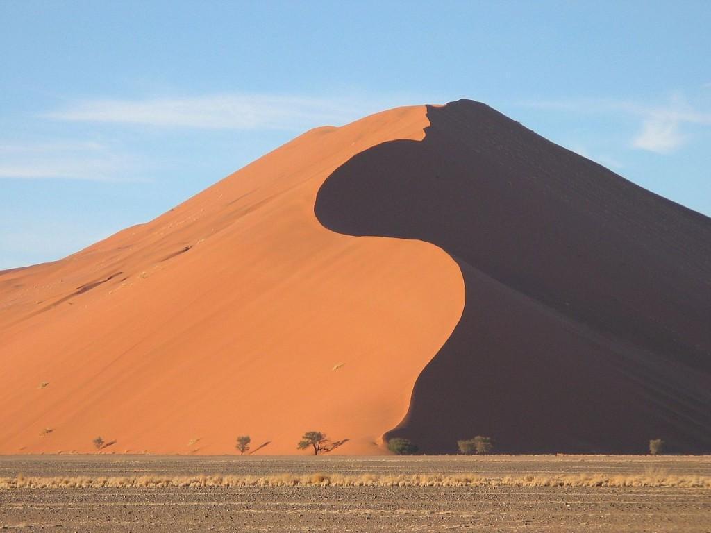 معرفی 10 تپه شنی زیبا در دنیا
