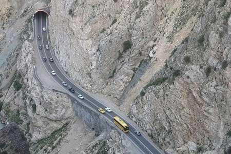 انسداد پنج جاده به دلیل کاهش ایمنی ، ممنوعیت تردد کامیون در هراز تا ساعت 24 امشب